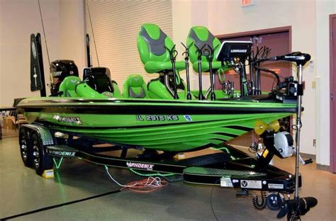 Green Bass Boat Seats by 1000 Ideas About Fishing Pontoon Boats On