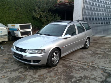 Opel Vectra 22 Dti Caravan Photos And Comments Www