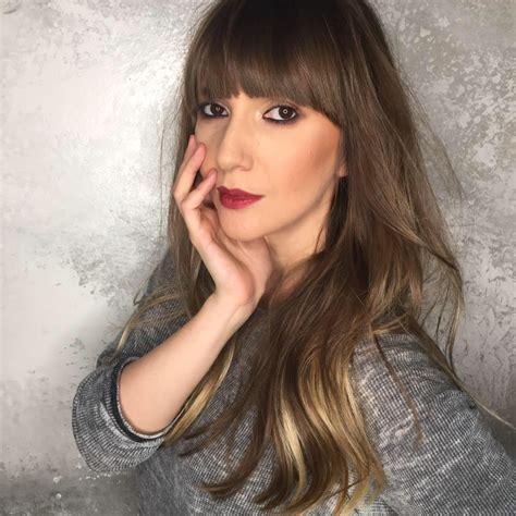 Adela Popescu în Costum De Baie La Un An După Ce A Născut