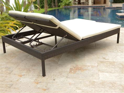 chaise m dicalis e source outdoor manhattan wicker chaise lounge