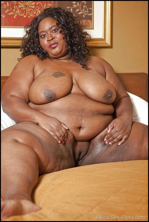 Fat Ebony Shaved Pussy Of A Breasted Nigerian Babe