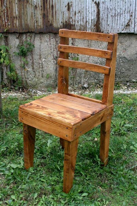 wood chair diy rustic wooden pallet chairs 101 pallets Diy