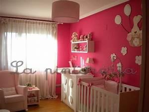 Decoration Murale Chambre Enfant : deco chambre b b chambre petite fille ~ Teatrodelosmanantiales.com Idées de Décoration