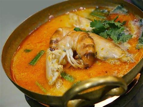 plats simples à cuisiner recette de la bisque d écrevisses au curry et à la noix de