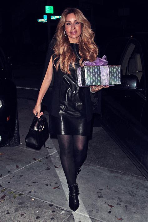 faye resnick arrives  craigs hollywood  celebrate