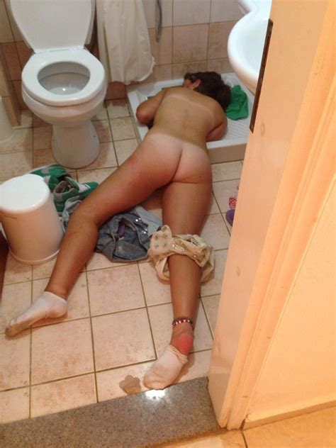 Passed Out And Naked Shesfreaky