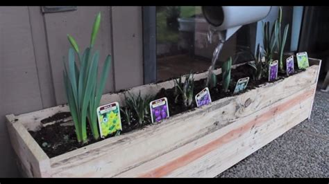 pallet planter box diy youtube