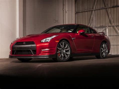 Nissan Gtr : Price, Photos, Reviews & Features