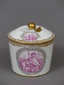 Pot A Couvert : pot sucre couvert en porcelaine de vincennes sign hannong xviiie si cle ~ Teatrodelosmanantiales.com Idées de Décoration