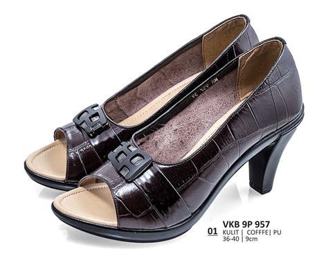 jual sepatu formal kerja heels wanita original everflow vkb 9p 957 di lapak b fashion bandung