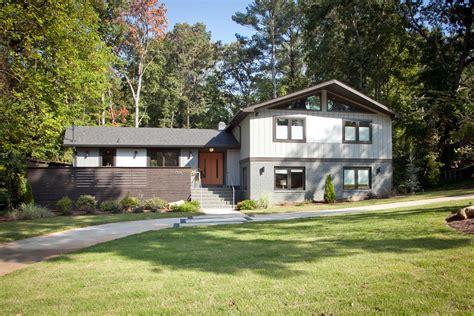 bi level home ragley residence modern dwellings cablik enterprises