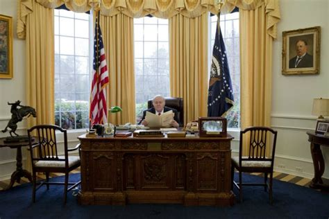 Texas man obsessed with White House builds mini-Oval