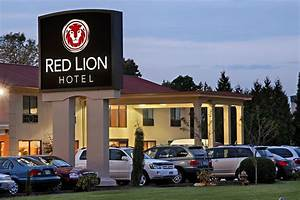 Red Lion Hotel Portland Airport: 2017 Room Prices, Deals ...