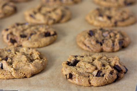 vegan chocolate chip cookies the ultimate vegan chocolate chip cookie recipe organic authority