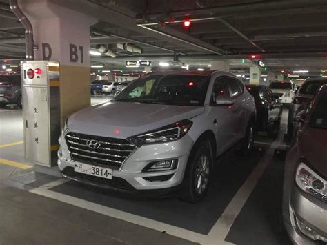 Hyundai Tucson 2019 Facelift by 2019 Hyundai Tucson Facelift Spotted In A Parking Lot