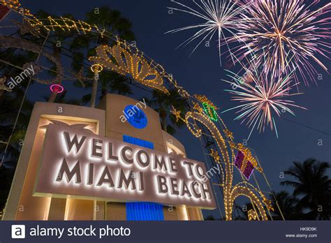 christmas decorations   miami beach sign tuttle