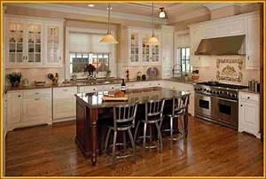 Timeless Kitchen Idea: Antique White Kitchen Cabinets