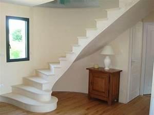 Escalier en pierre, voûte sarrasine pour agrémenter vos maisons