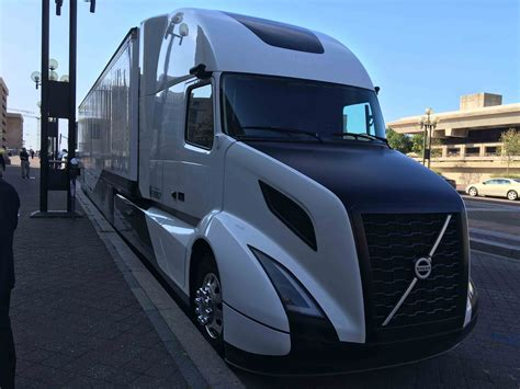volvo introduces supertruck concept averages