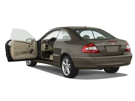The aggressive esthetics will be backed by an all revised engine range. Image: 2009 Mercedes-Benz CLK Class 2-door Coupe 3.5L Open ...