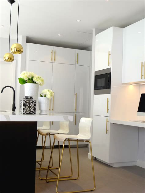 black white kitchen  brass  gold accessories