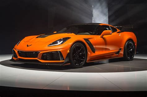 Zr1 Corvette Price by 2019 Chevrolet Corvette Zr1 By The Numbers Motor Trend