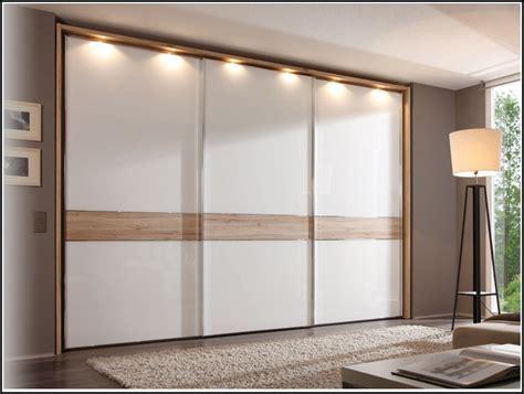 schwebetürenschrank schlafzimmer schlafzimmer mit schwebet 252 renschrank schlafzimmer