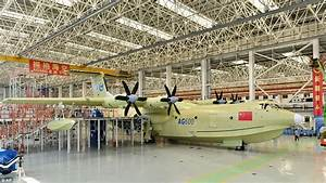 China unveils the world's largest amphibious aircraft ...