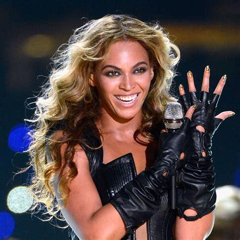 beyonces makeup  nails   superbowl  killed   performance