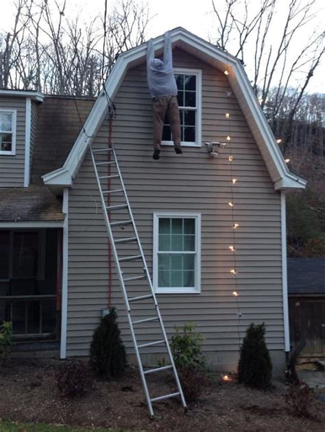 install christmas decorations on roof grinch stealing lights and 10 more exles of