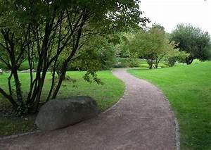 Wege Im Garten Anlegen : wege gartenwege anlegen 18 leichter schwung passt sich dem terrain an ~ Buech-reservation.com Haus und Dekorationen