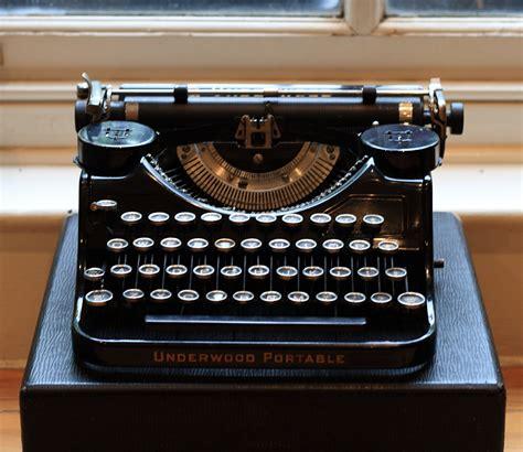 Alte Schreibmaschinen Wert by Vintage Typewritter