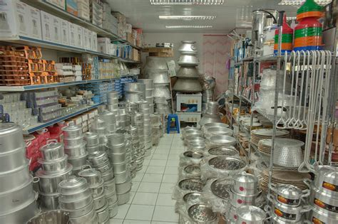 kitchen accessories shopping photo 1309 26 aluminium kitchenware shop in souq waqif 3692