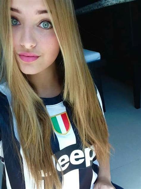 Pin di Ernesto Grazianni su Juve Girl! ⚫⚪ | Calcio ...