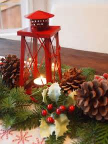 Red And Green Christmas Table Decorations