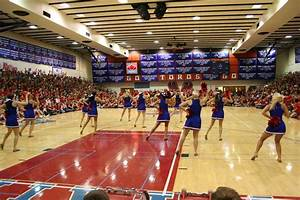 Mountain View » Homecoming Assembly