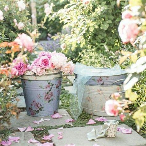 contoh taman chic lusuh  gaya vintage