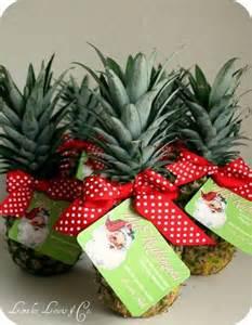 hawaiian christmas gift tag printable for the pineapple christmas xmas ideas juxtapost