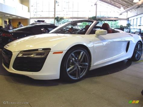 ibis white audi  spyder   photo