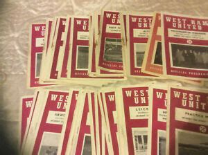 WEST HAM UNITED HOME PROGRAMMES FROM 1958 -60 - SELECT ...