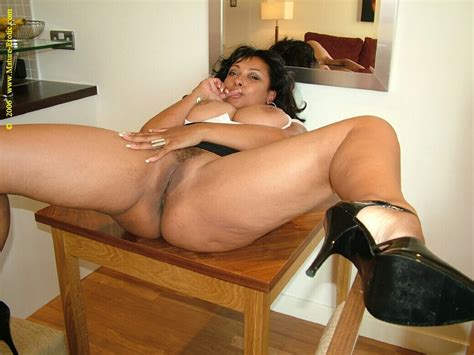 Sex Hungry Amateur Moms Spreading Legs Wide Xxx Dessert