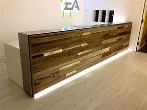 Reclaimed wood reception desk estudio Pinterest
