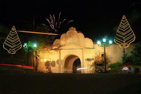 pintu gerbang plengkung wisata yogyakarta