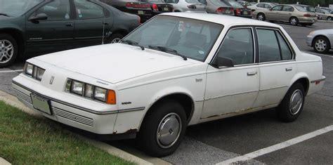 File:Oldsmobile Firenza sedan.jpg - Wikimedia Commons