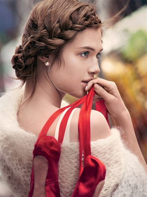 9 easy to make updos for second day hair styleoholic