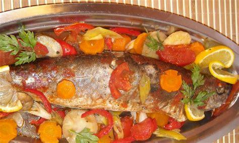 cuisine au maroc poisson au four recettes de poissons cuisine marocaine
