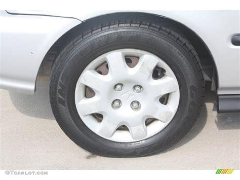 1999 honda civic dx hatchback wheel photo 52872690