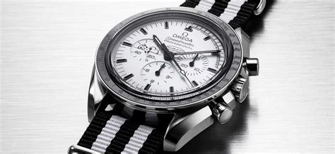 5 Reasons Everybody Wants The Omega Speedmaster Silver Snoopy Revolution
