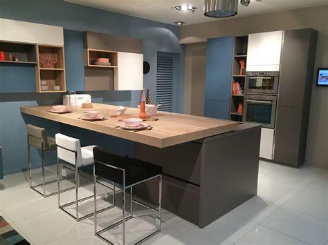 plateau cuisine design cuisine mobalpa avec plateau coulissant 2015