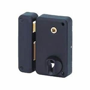 serrure verticale a appliquer pour porte d39entree With changer serrure porte d entrée